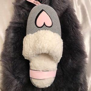 NWT Victoria's Secret gray slippers